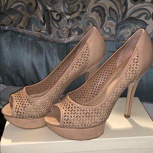 Nude heels with platform